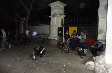 Подробности взрыва в Одессе: офис активистов пытались взорвать гайками и шурупами