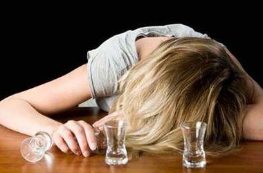 В Киеве школьница попала в больницу из-за отравления алкоголем