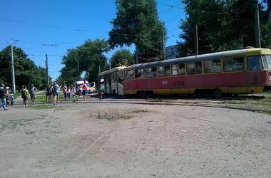 Подробности столкновения двух трамваев в Харькове: пострадали 19 человек