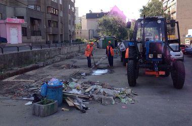 В Киеве снесли ларьки с крысами