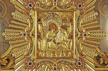 Сегодня Православная Церковь чтит Почаевскую икону Божьей Матери