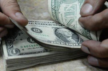 Курс доллара НБУ вновь снизил