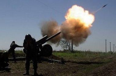 Как прошла ночь на Донбассе: провокации, обстрел из танков и гранатометные залпы