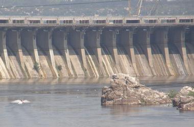 Днепр на грани катастрофы: река мельчает, а состав воды включает почти всю таблицу Менделеева
