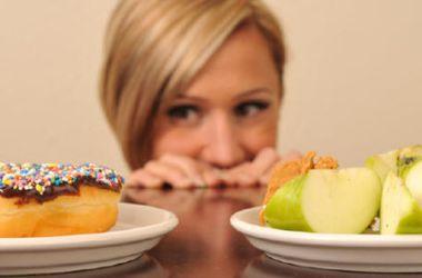 Названа психологическая причина ожирения