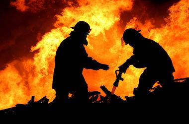 На Прикарпатье тушили пожар поездом