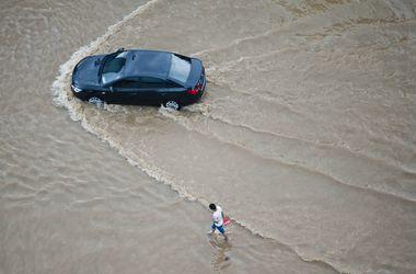 """Супертайфун """"Соуделор"""" добрался до Китая и наделал беды"""