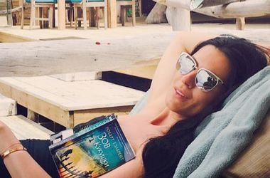 Маша Ефросинина похвасталась роскошной фигурой на острове (фото)