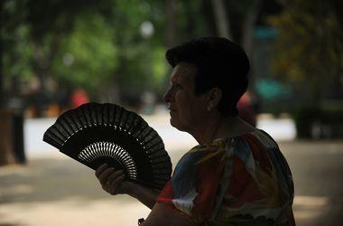 Синоптики рассказали, сколько еще в Украине продержится жара