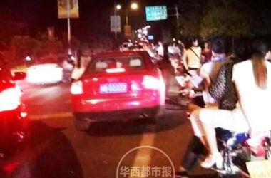 В Китае из-за утечки аммиака эвакуированы более 10 тысяч человек