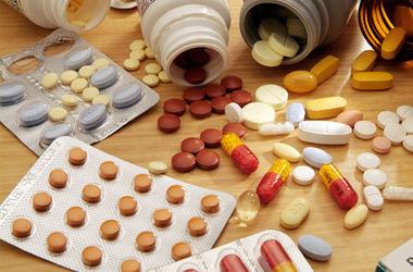Минздрав начинает закупки лекарств за бюджетные деньги