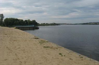 В центральном озере Ровно утонул турист из Ирландии