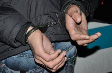 Под Киевом грабитель-рецедивист напал с ножом на 15-летнего мальчика