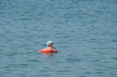 На курорте под Одессой ребенка унесло в открытое море