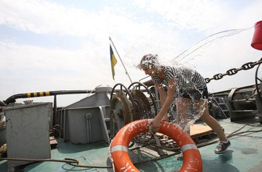 """36_main """"Ведро воды для новичка"""", или чем живут измаильские моряки (фото)"""