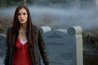 Кого любит елена из дневников вампира