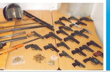 Под Киевом поймали машину с оружием