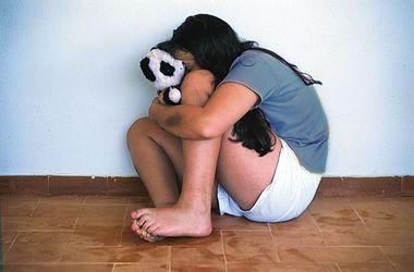 В Новомосковске молодой человек изнасиловал девочку