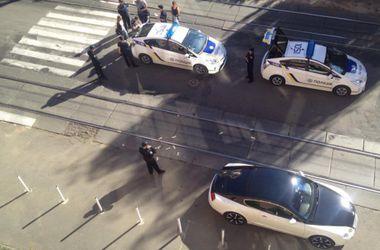 В Киеве пьяный водитель Bentley забросал полицейских долларами