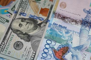Казахстан перешел к свободному курсу доллара