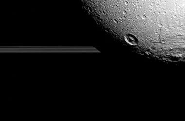 Опубликованы новые снимки спутника Сатурна