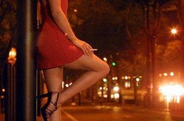 Зачем эту проститутку кабаеву путин везде сует свой нос