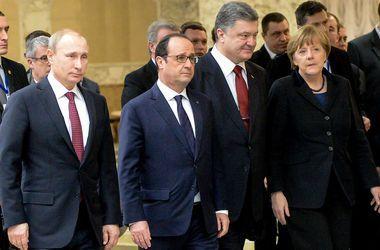 Порошенко, Меркель и Олланд поговорили с Путиным