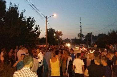 """Трагедия в Днепропетровске: пьяный директор на """"Мерседесе"""" сбил женщин с ребенком в коляске"""