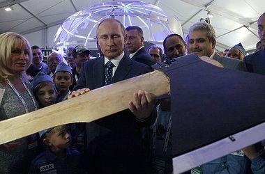 Новинки авиасалона МАКС-2015: Путину показали летающий топор