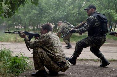 Боевики обстреливают Марьинку и Красногоровку