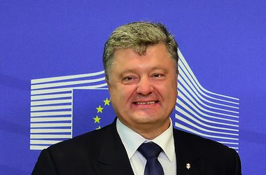 Украина будет постоянно поднимать вопрос о введении миротворцев в Донбасс – Порошенко