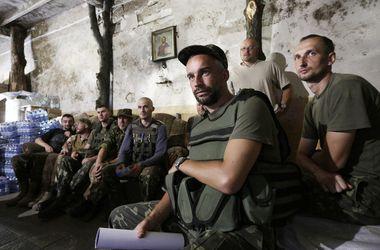 Обмен 12 пленных в Донбассе прошел под звуки стрельбы и канонады
