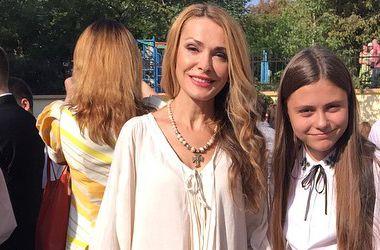 Дочь Ольги Сумской пришла в школу в кедах (фото)