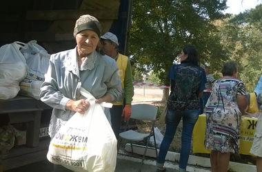 Помощь мобильных бригад штаба Ахметова жителям Артемовского района