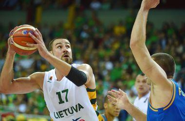 На старте Евробаскета-2015 сборная Украины минимально уступила Литве