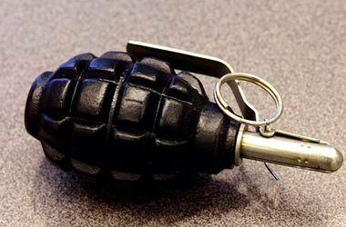 В Херсонской области пассажир забыл в автобусе боевые гранаты и сигнальные ракеты