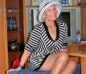 porno-sosed-uvidel-menya-goloy-russkih-devok