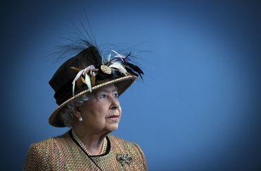 Королева Елизавета пересидела на троне свою венценосную прапрабабушку