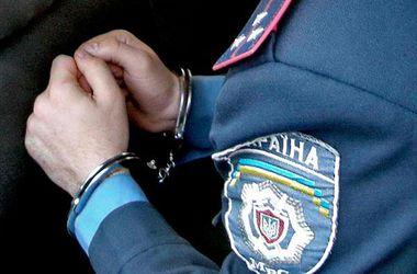 "В Запорожье милиционер собирал ""дань"" с наркоторговцев"