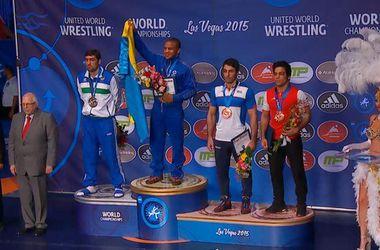 Украинец Жан Беленюк завоевал золотую медаль на чемпионате мира по борьбе