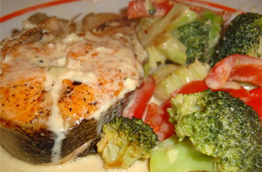 <p>На ужин полезно есть рыбу. Фото mealblog.ru</p>