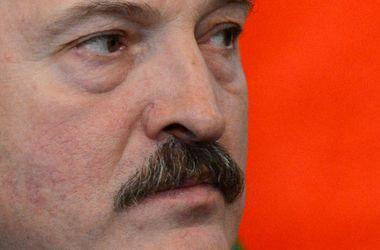 Лукашенко живет на одну зарплату
