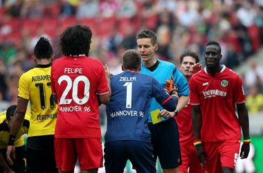 Коллина призвал судей УЕФА следить за эмоциями футболистов
