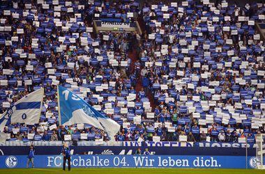 """""""Добро пожаловать, беженцы"""": с такими нашивками вместо рекламы выйдут футболисты в Германии"""