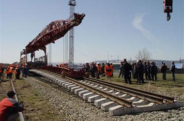 Медведев дал добро на строительство железной дороги в обход Украины