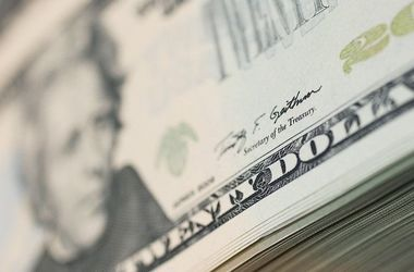Курс доллара в Украине падает