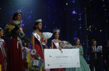 """Корону и заветный титул """"Мисс Украина-2015"""" получила киевлянка"""