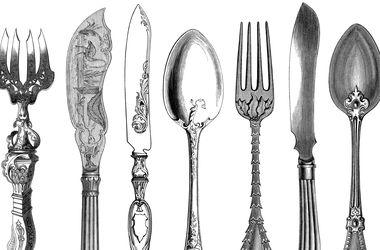 История столовых приборов: вилки были с двумя зубцами, а ножи — только острыми
