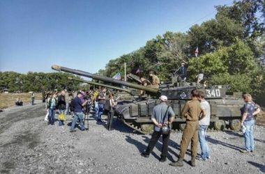 Причиной гибели ребенка на танковом биатлоне под Торезом мог стать ошибочный выстрел