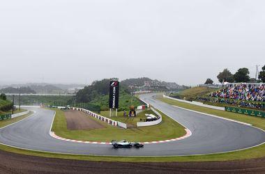 Формула-1: на мокрой трассе в Японии лучшее время во второй практике показал Квят